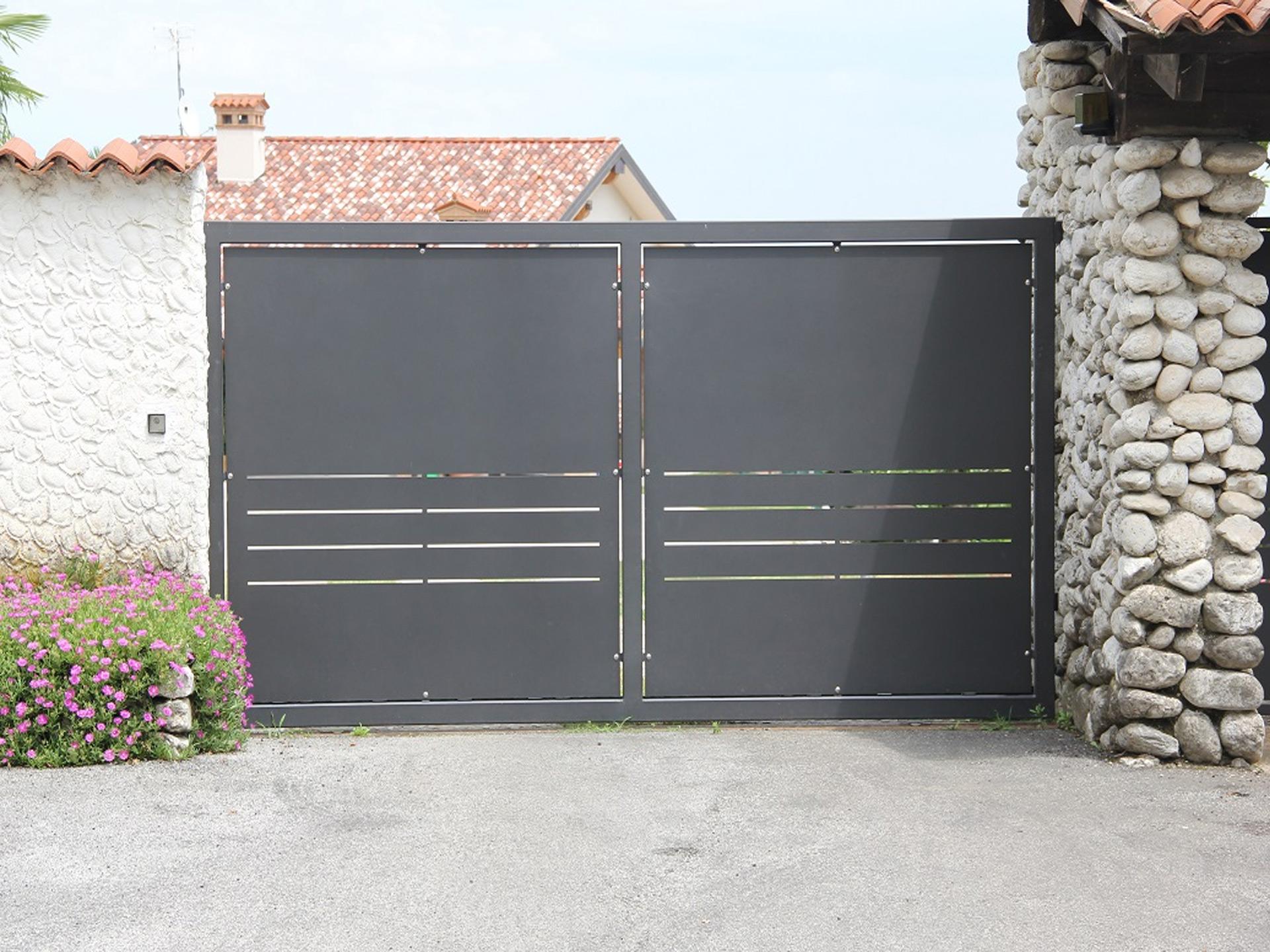 argiolas iron gate